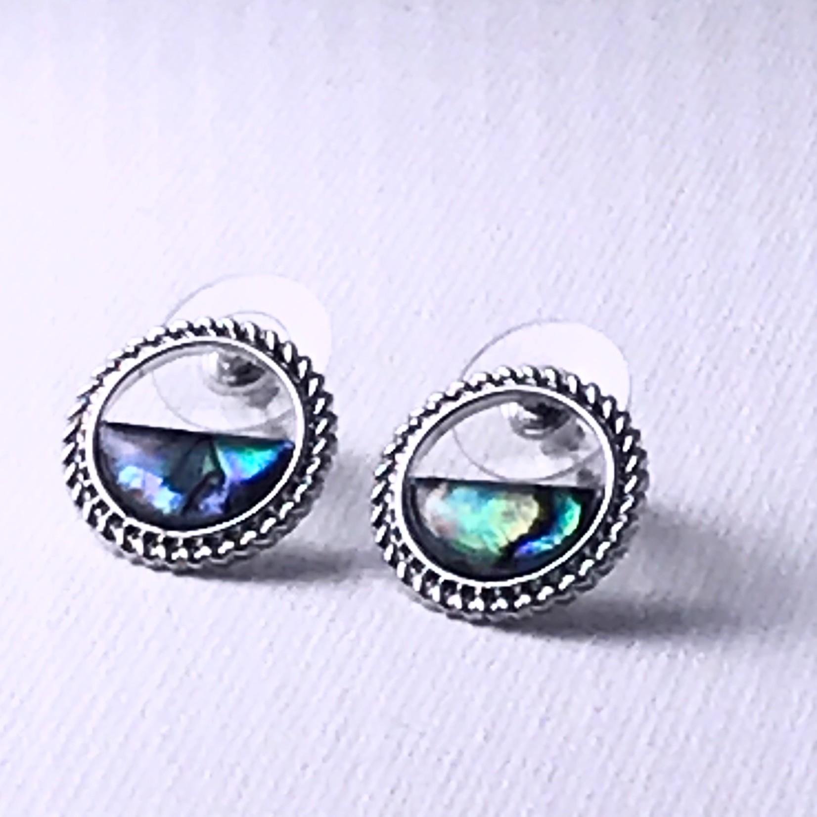 Biba zilverkleurige ronde oorringen half gevuld met blauw/groen