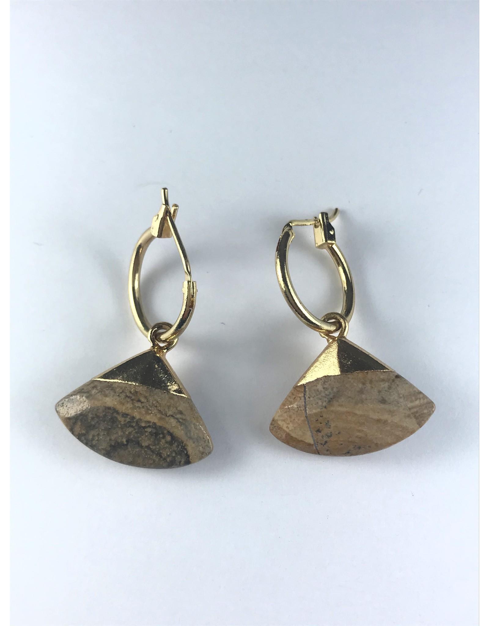 Biba Oorringen goudkleurige hanger met bruine driehoek
