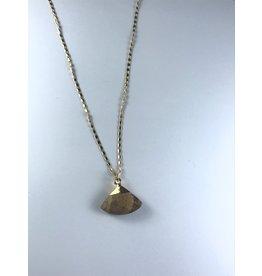 Axxes-Soir korte  fijne goudkleurige ketting met bruine driehoek-steen