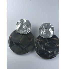 Biba Oorringen zilverkleurig met donkergrijze cirkel