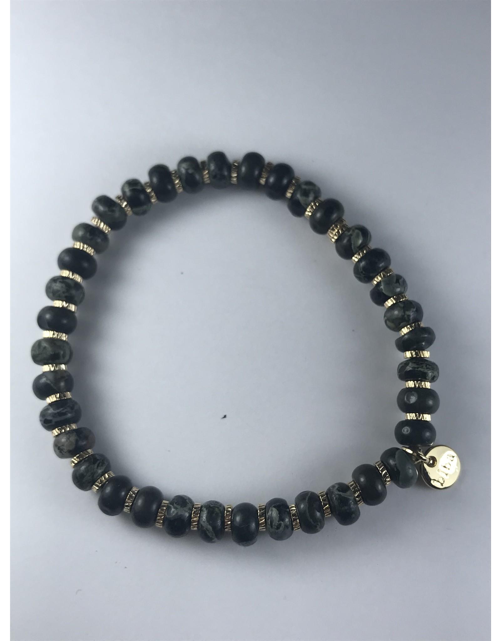 Biba stevige armband - grijs-groene kralen op fijne gouden armband