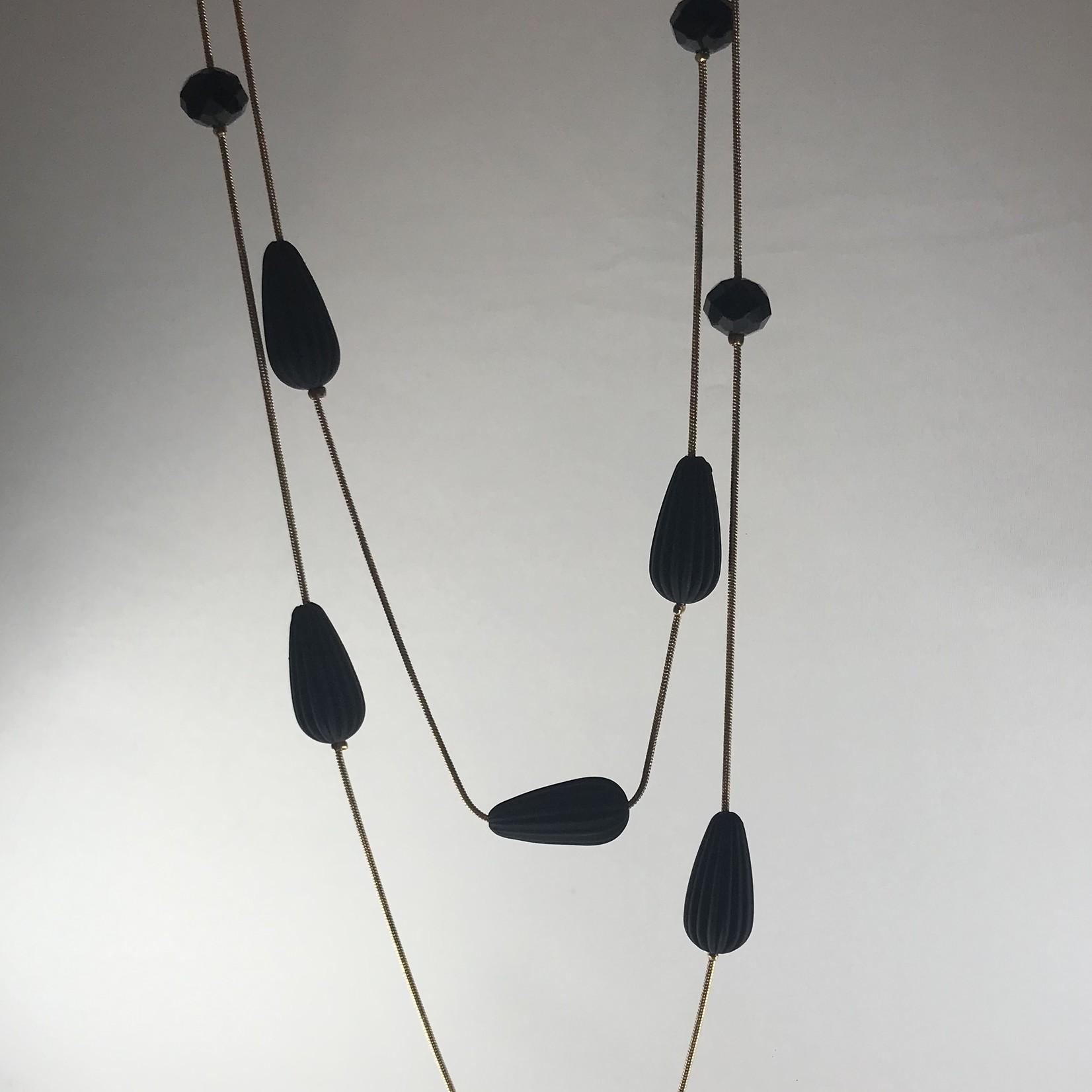 Axxes-Soir Ketting goudkleurig met zwarte parels