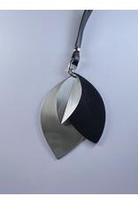 Axxes-Soir Lange lederlook ketting  in zwart met zilveren ronde plak - groot  - Copy