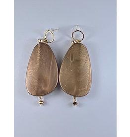 Axxes-Soir Oorringen goudkleurige met grote koperen ovaal
