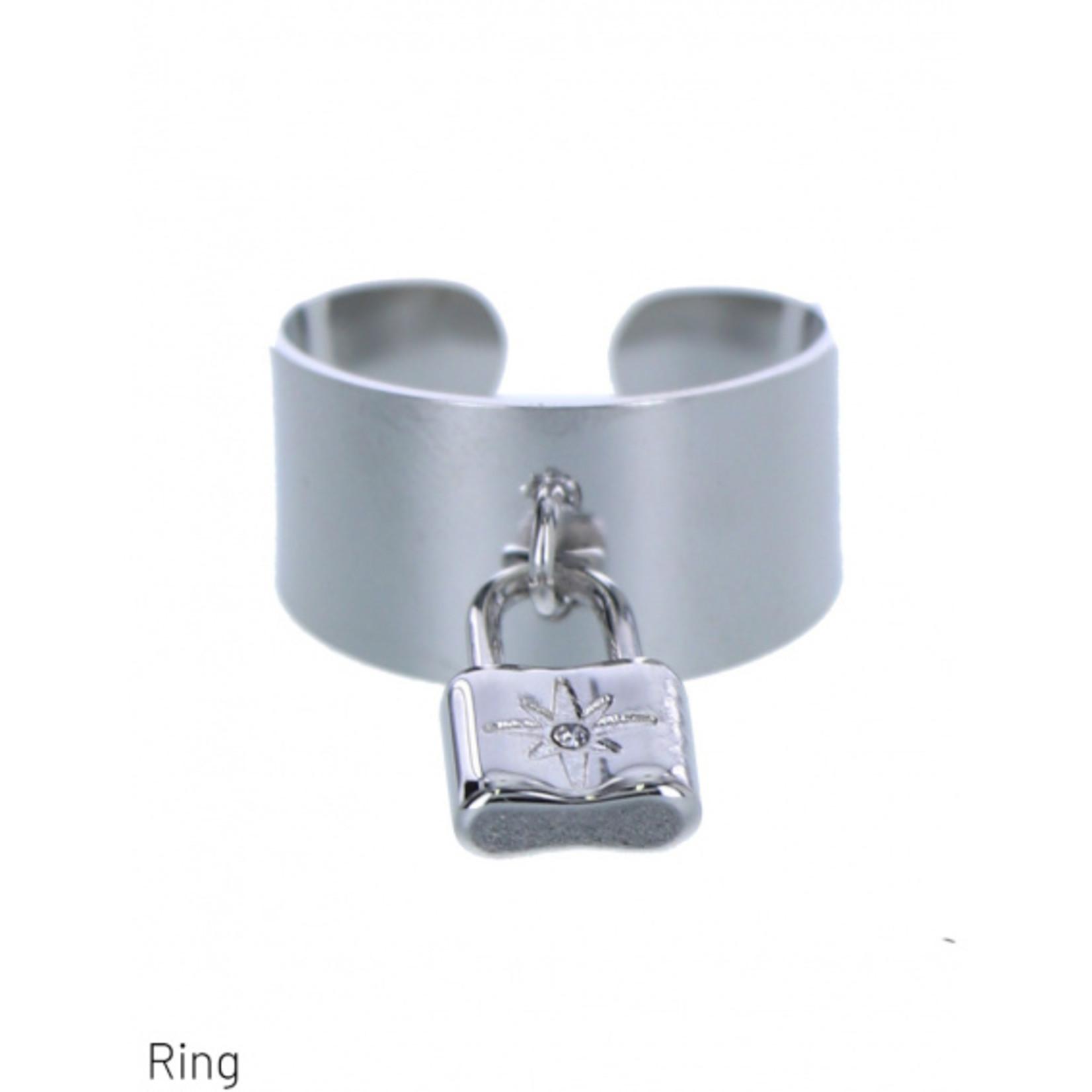 Dodi Ring zilverkleurig verstelbaar met hangend slot