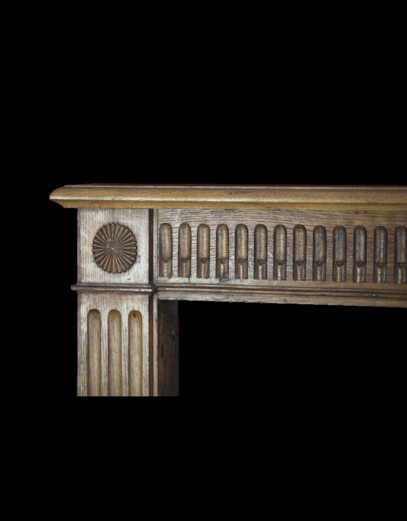 The Antique Fireplace Bank Kleine Rustikale Hölzerne Kaminmaske