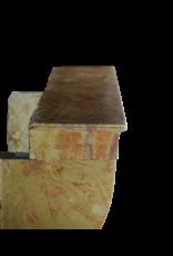 Kleine zeitloses Vintage-Kamin