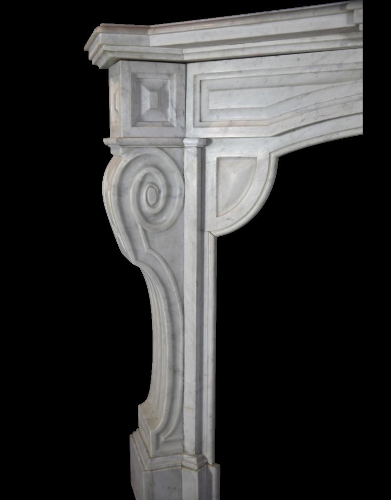 Belgischen Weiß Kamin