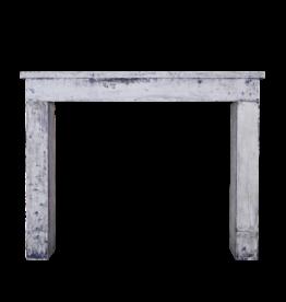 Rustikal Und Klein Französisch Kalkstein Kamin-Mantel