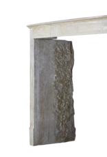 Französisch zeitloses Kaminmaske Im Kalkstein