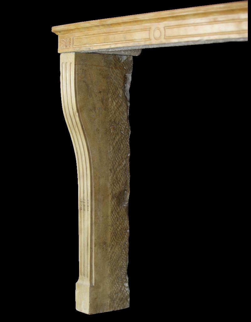 LXVI Stil Französisch Kalkstein Kaminmaske