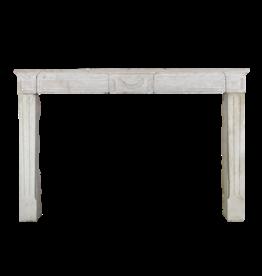 18. Jahrhundert Feine Französisch Kamin In Hartem Kalkstein