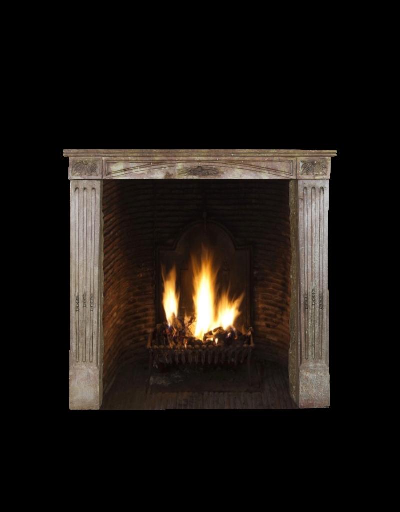 Kleine Französische Warme Farbe Kaminverkleidung