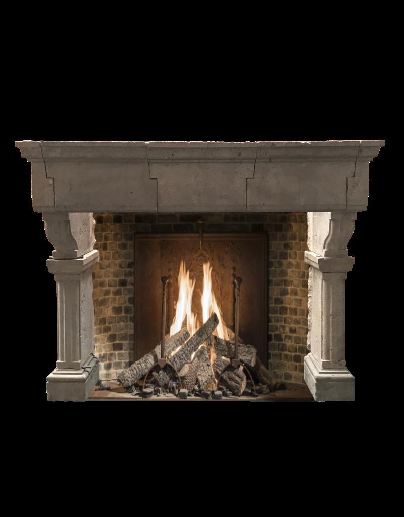 Maison Leon Van den Bogaert Antique Fireplaces & Vintage Architectural Elements Französisch Groß Country Kalkstein Kaminmaske