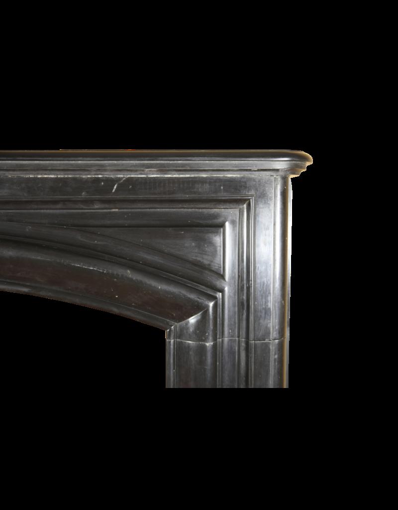 Maison Leon Van den Bogaert Antique Fireplaces & Vintage Architectural Elements Schwarzer Belgischer Marmor Jahrgang Kaminmaske