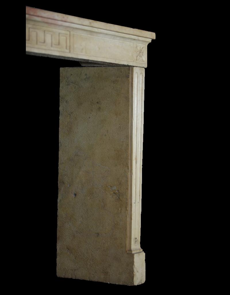 The Antique Fireplace Bank Klassische Weinlese-Französisch Kalkstein Kamin Verkleidung