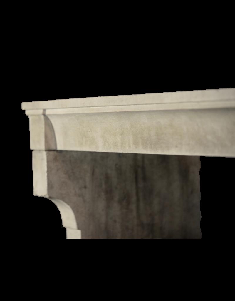 Breites Französisch Jahrgang Kalkstein Kaminmaske