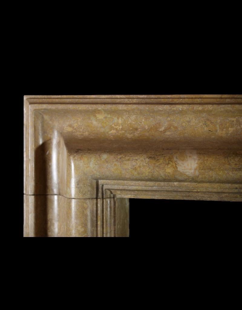 Maison Leon Van den Bogaert Antique Fireplaces & Vintage Architectural Elements Bolection Des 20. Jahrhunderts Kaminmaske