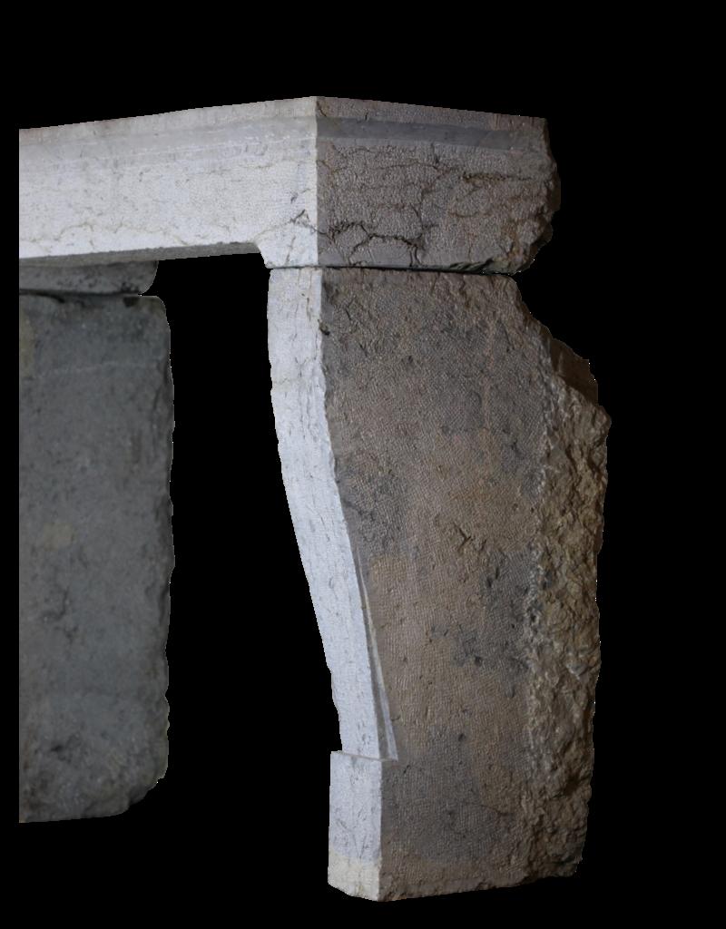 Französisch Rustikale Weinlese-Zweifarbig Harter Kalkstein Kaminmaske
