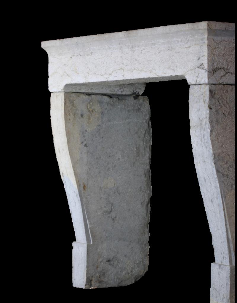 The Antique Fireplace Bank Französisch Rustikale Weinlese-Zweifarbig Harter Kalkstein Kaminmaske
