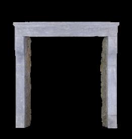 Kleines Französisch Landstil-Art Kalksandstein Kamin