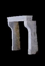 Kleines Französisch Land-Art-Kalkstein Kaminmaske