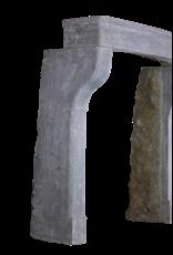 Kleines Französisch Landstil-Art-Kalkstein Kaminmaske