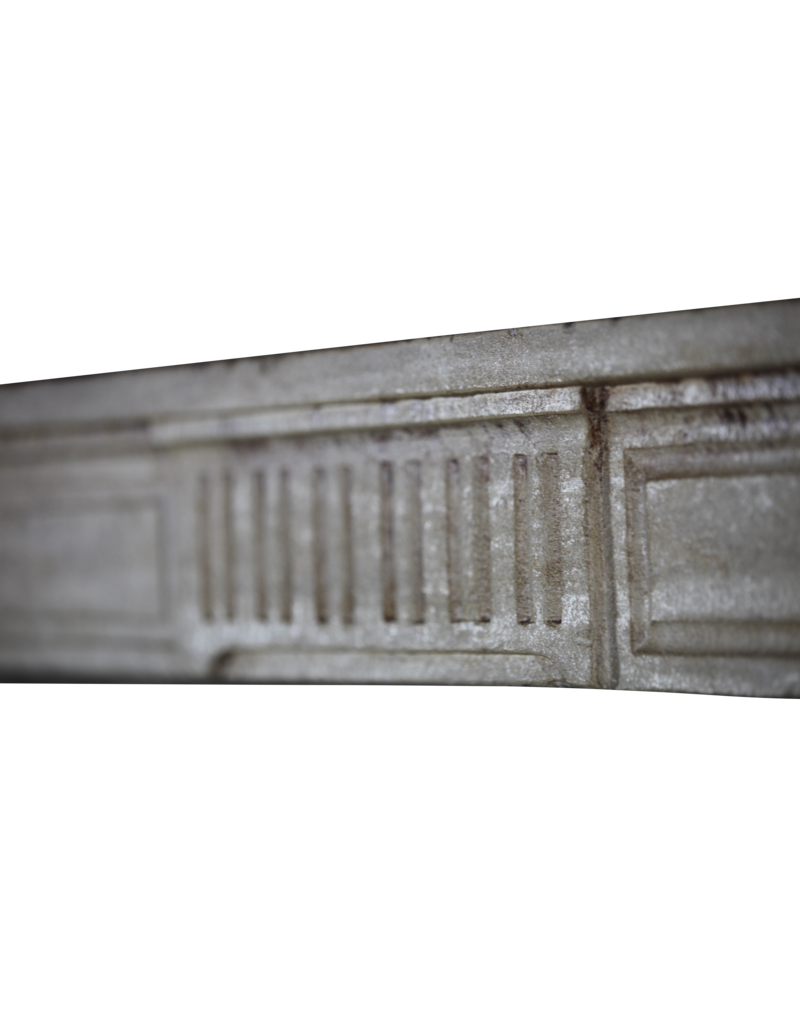 The Antique Fireplace Bank Kleines Antike Kalkstein Kamin im Französischem Landstil