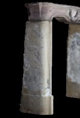 Pequeño Francés Luis XVI Período De Piedra Gris De Cheminea