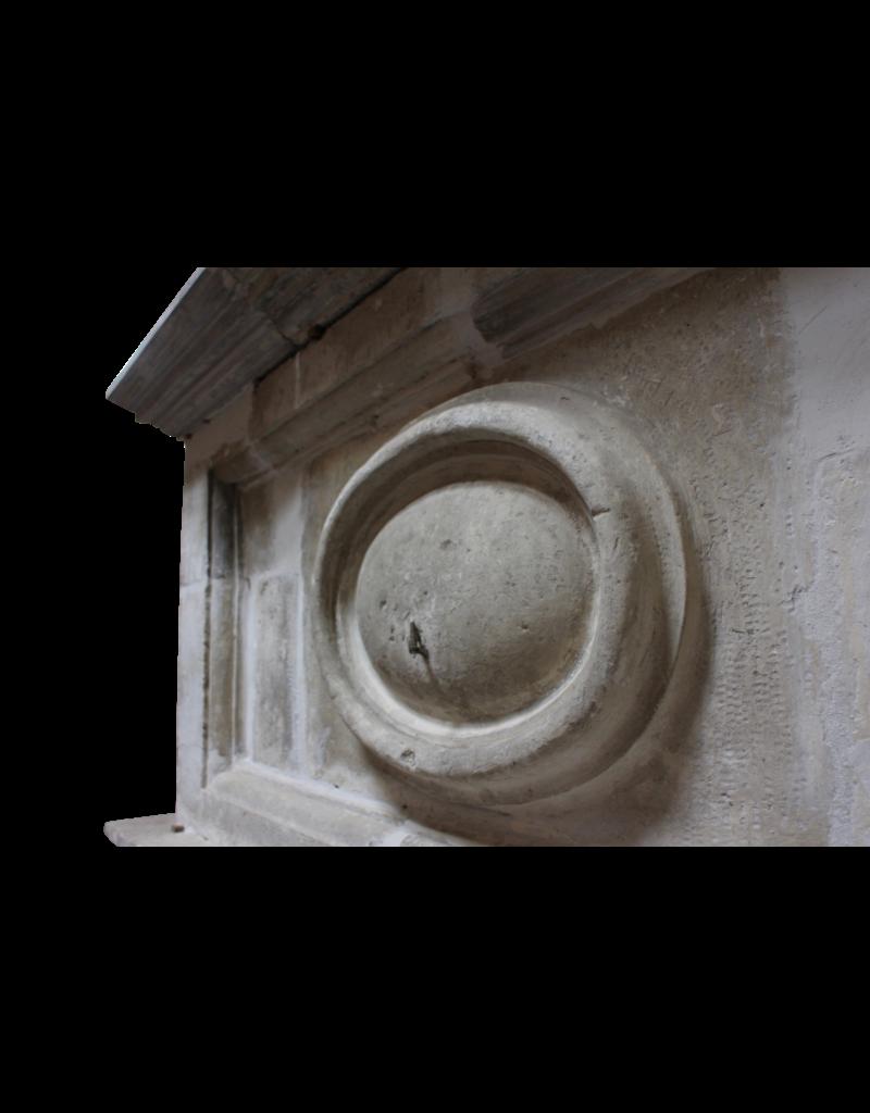 Fuerte Del Siglo 17 Francés Antiguo Revestimiento En Piedra Caliza