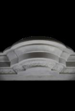 Antike Kamin  Aus Weißem Marmor Mit Statuen