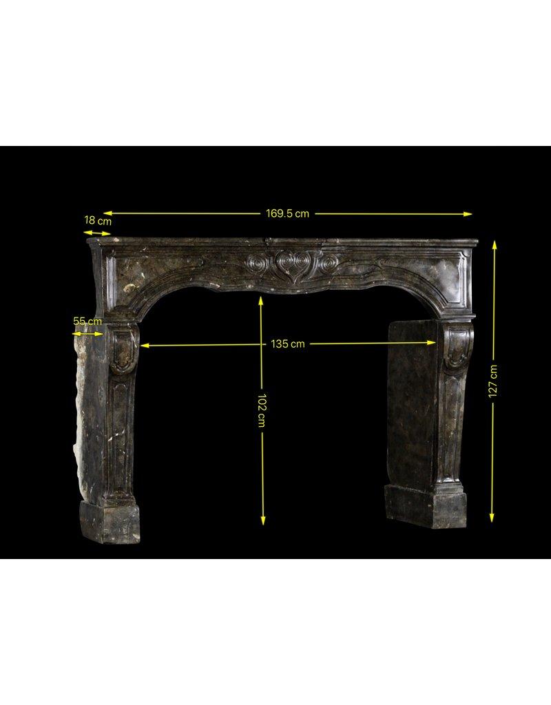Maison Leon Van den Bogaert Antique Fireplaces & Vintage Architectural Elements Fósil De Piedra Siglo 17 Chique Francesa Revestimiento En La Oscuridad