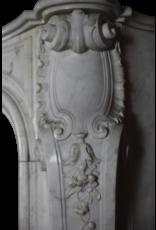 18A Francés Del Siglo Blanco Período Estatuas De Mármol Chimenea