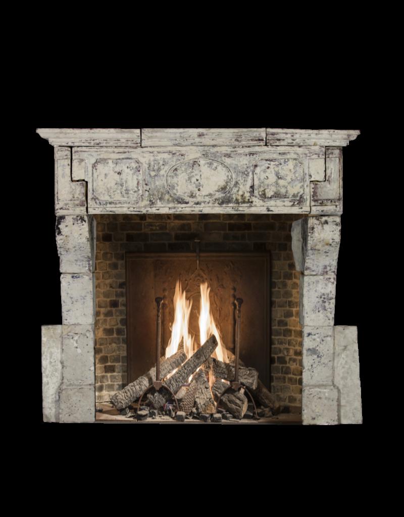 The Antique Fireplace Bank Francés 17O Período Siglo Francés Del Estilo De País De La Piedra Caliza Cheminea