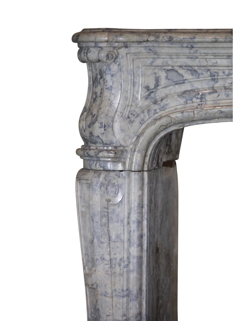 The Antique Fireplace Bank Strong 17. Jahrhundert Französisch Zweifarbig zeitloses Kamin Verkleidung