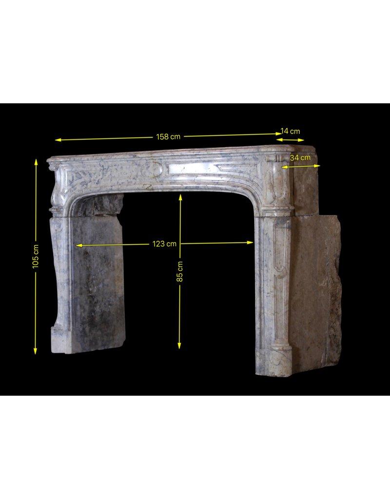 Strong 17. Jahrhundert Französisch Zweifarbig zeitloses Kamin Verkleidung