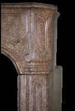 Klassisches Chique Französisch Jahrgang Kamin Maske