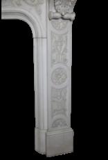 Empfindliche Italienischen Weinlese Statuarisch Weißer Marmor Kamin