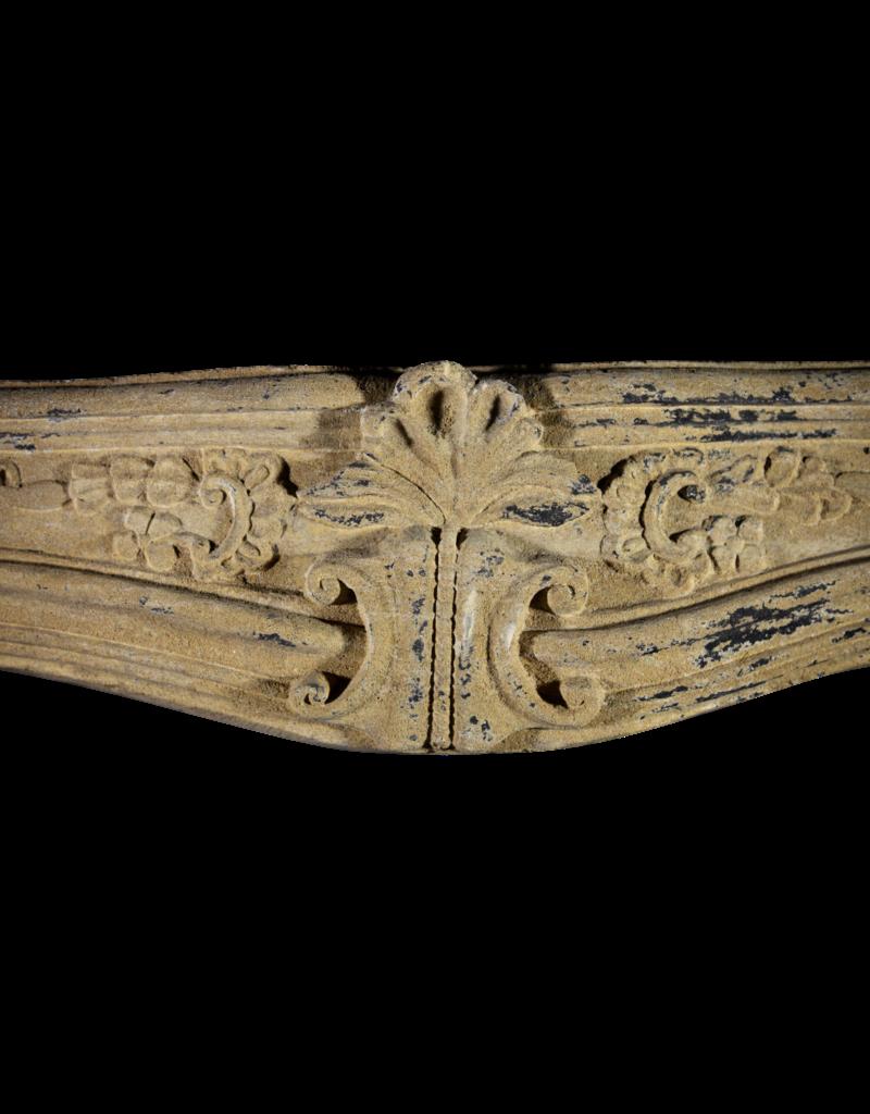 Kleine Starke Provenzalischen 17. Jahrhundert Antike Kamin Verkleidung