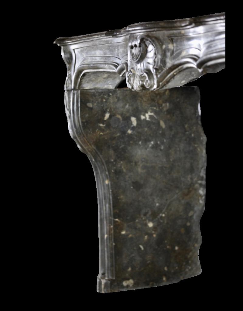 Französisch 18. Jahrhundert Periode Antike Kamin Maske In Fossil Stein
