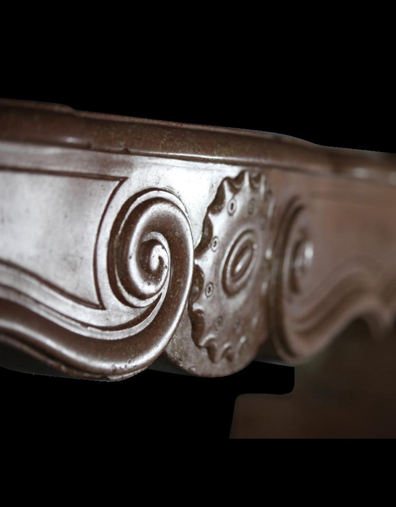 Maison Leon Van den Bogaert Antique Fireplaces & Vintage Architectural Elements Francés Bicolor Timeless Piedra Caliza Antigua Chimenea