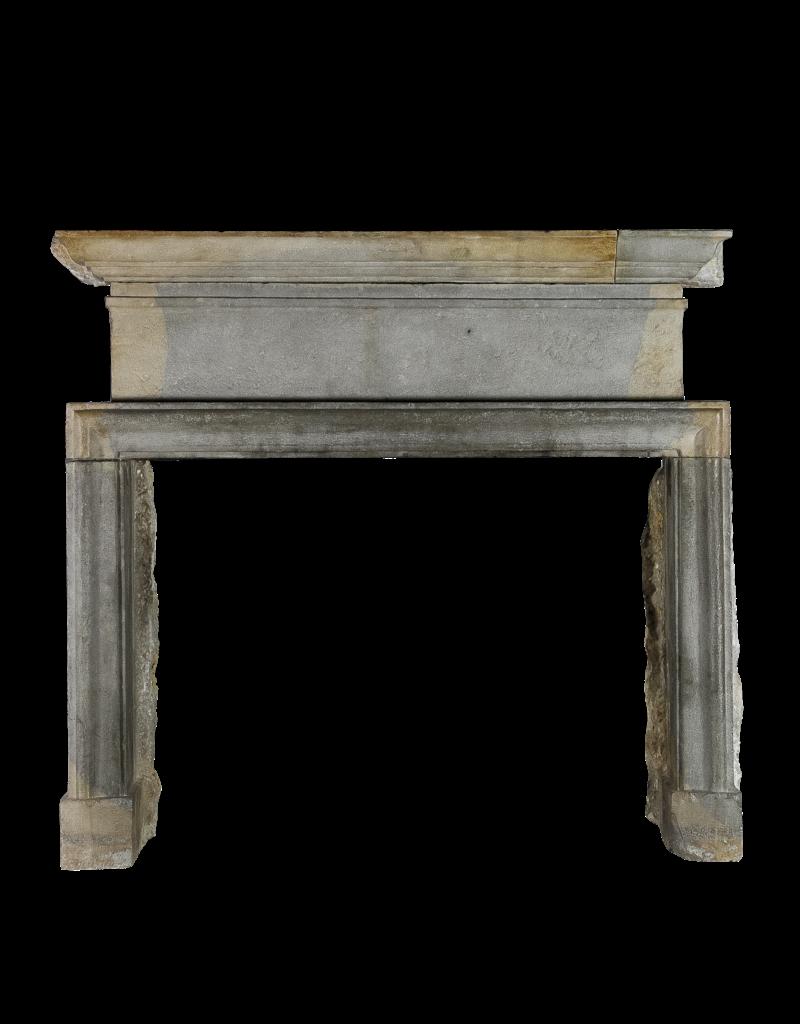 The Antique Fireplace Bank Starkes 17. Jahrhundert Zweifarbig zeitloses Kamin Verkleidung