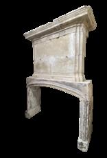 The Antique Fireplace Bank Francés Del Siglo 16 Período De Piedra Caliza Antigua Chimenea Con Manto Superior