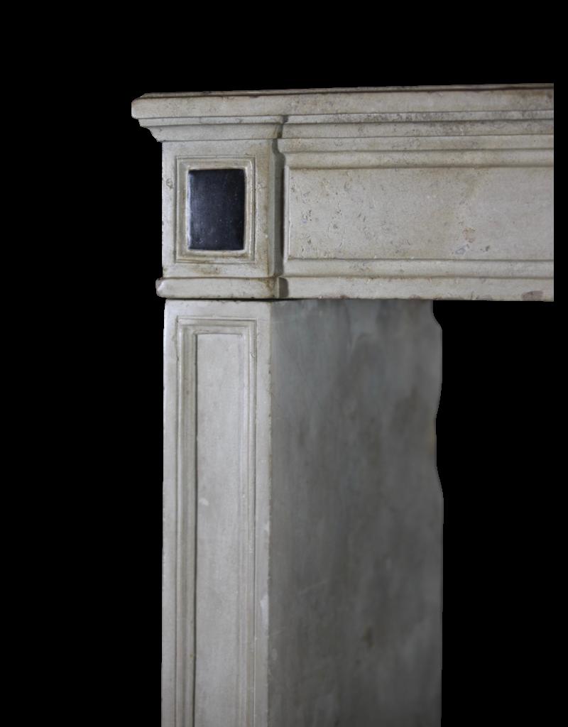 Maison Leon Van den Bogaert Antique Fireplaces & Vintage Architectural Elements Elegante Zeitlose Schicke Französische Kalkstein Vintage Kamin Maske