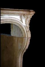 Romantische Französische Hartstein Vintage Kamin Maske