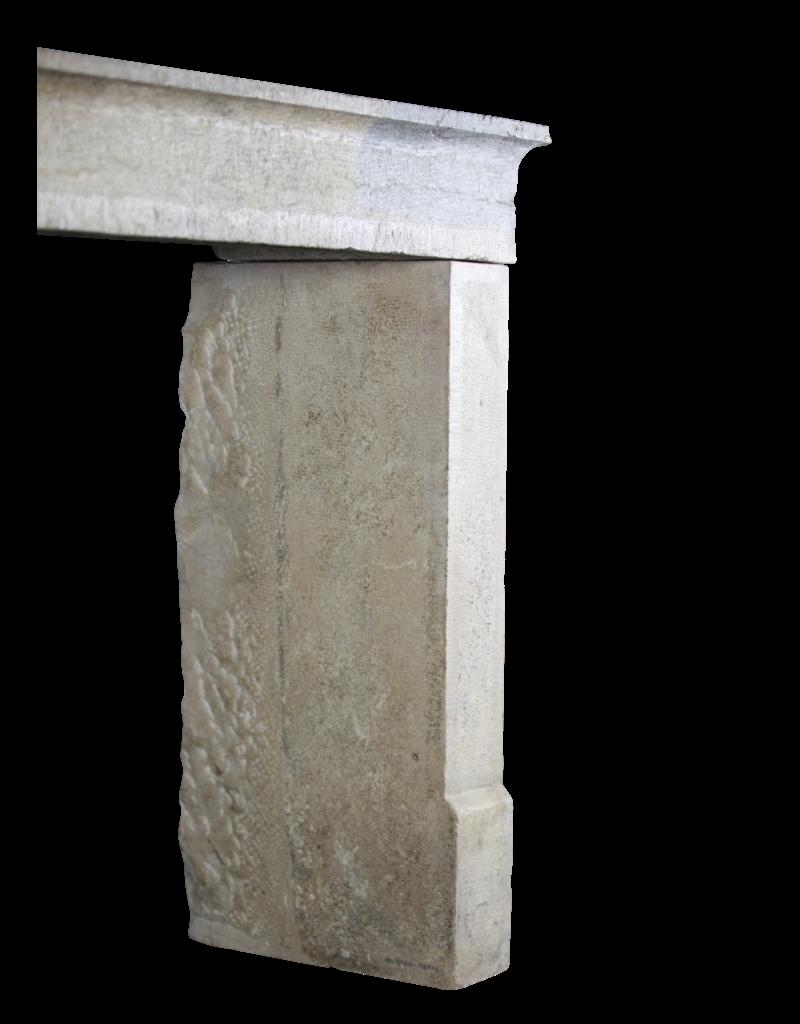 Zweifarbig Vintage Kalkstein Kamin Einfassung Im Französischen Landhausstil