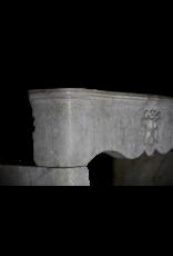 Feudale Vintage Kamin Maske Aus Kalkstein