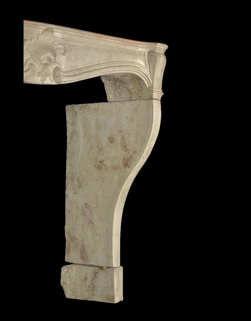 Französischer Chique Landhausstil Vintage Kalkstein Kamin Einfassung