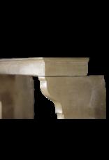 Französischer Eleganter Kalkstein Im Landhausstil Vintage Kamin Maske Mit Besonderen Details Auf Den Pfosten