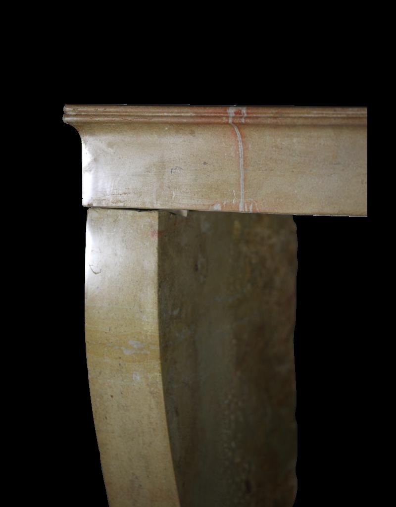 Kleine Vintage Französische Kamin Maske Aus Zweifarbigem Kalkstein